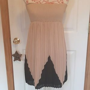 Adorable Juniors party dress  small